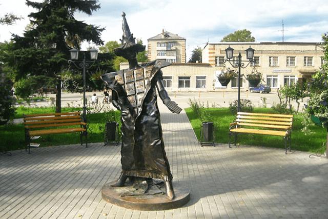 Памятник шоколаду в городе Покров Владимирской области