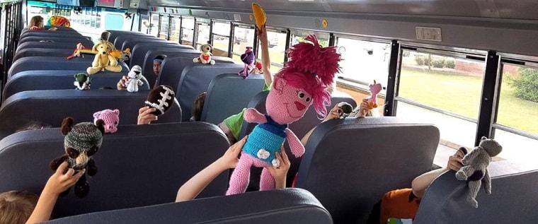 Заказной автобус в Москве для детей